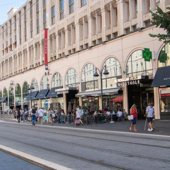 L'avenue Jean Médecin et le centre commercial NICETOILE