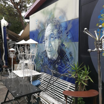 Wall paintings enliven the market